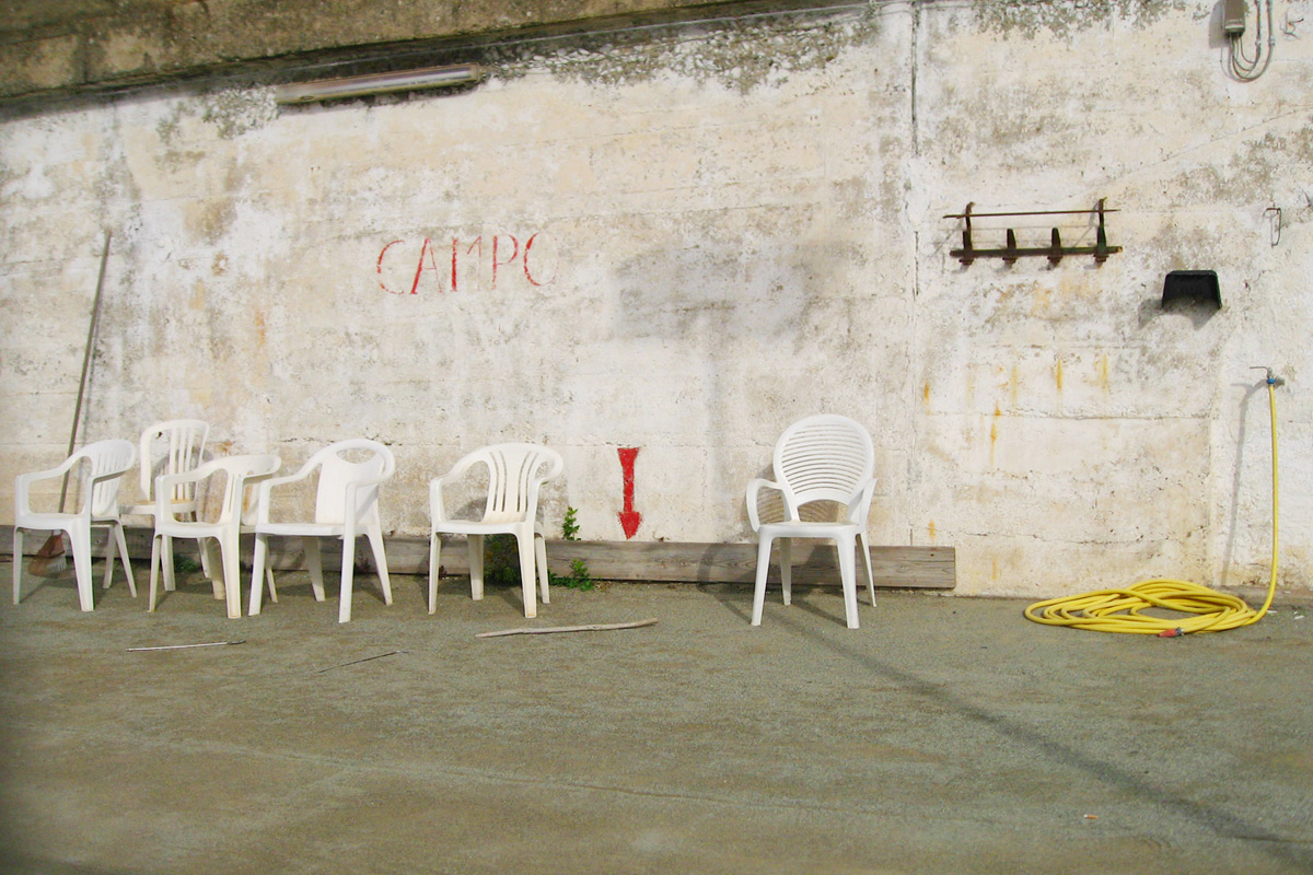 """Mittagspause in Monterosso: Manchmal reicht ein Foto, um im Kopf zu verreisen. Darum geht's in meiner Reihe """"Urlaubs-Quickie"""". Diesmal: Mittagspause in Monterosso."""