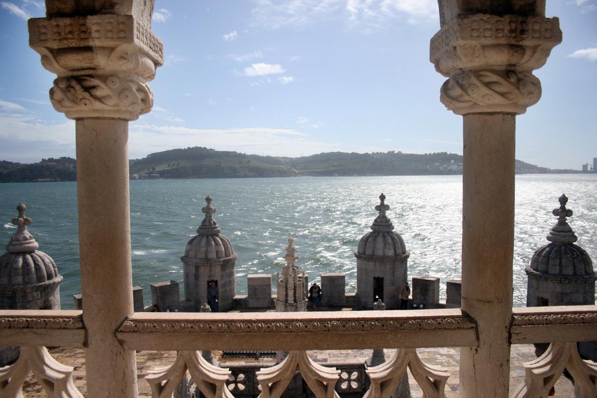 Die alte Leuchte am Tejo: Der Torre de Belém ist ein Wahrzeichen Lissabons. Er steht an der Tejomündung und war seit 1515 Leuchtturm. (Foto: Julia Marre)