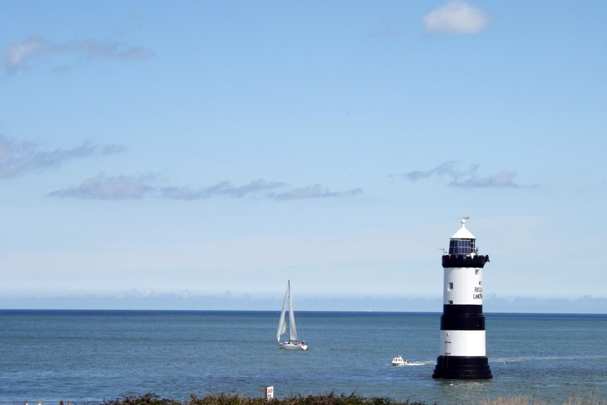 Am Ende von Wales: der Leuchtturm von Penmon auf der Insel Anglesey zwischen Kelten und Kupferminen. Foto: Julia Marre